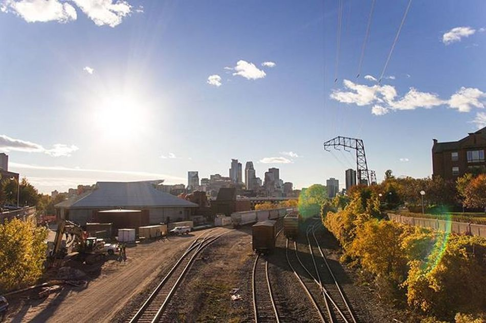Throwback to green grass and when there were actually leaves on trees Minneapolis Skyline Minnesnowta Minnesota Cityscape Landscape Fall Winter Neature