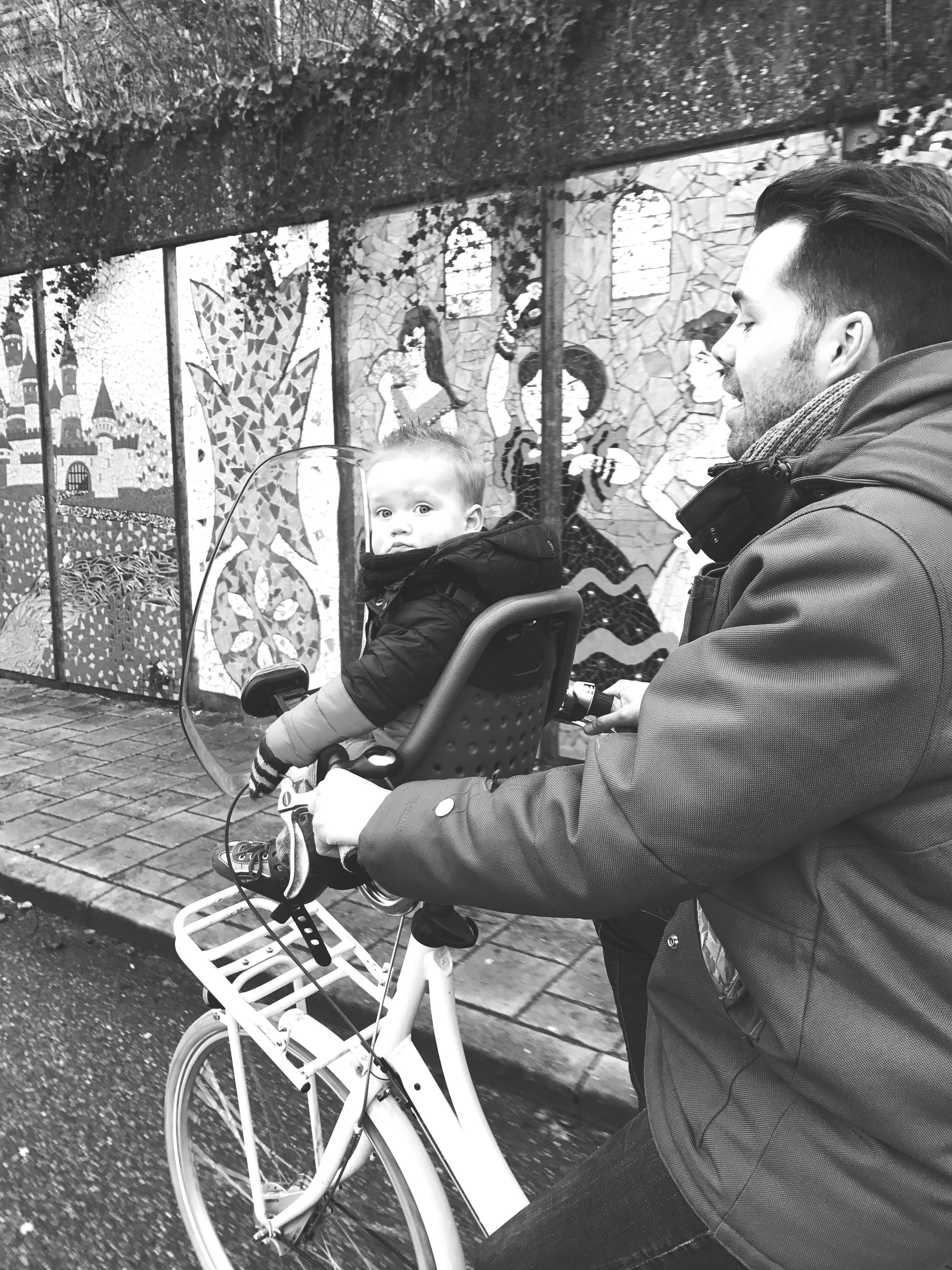 bicycle, two people, young men, leisure activity, real people, adults only, mode of transport, lifestyles, transportation, young women, young adult, beard, day, men, cycling, only men, people, adult, outdoors, togetherness