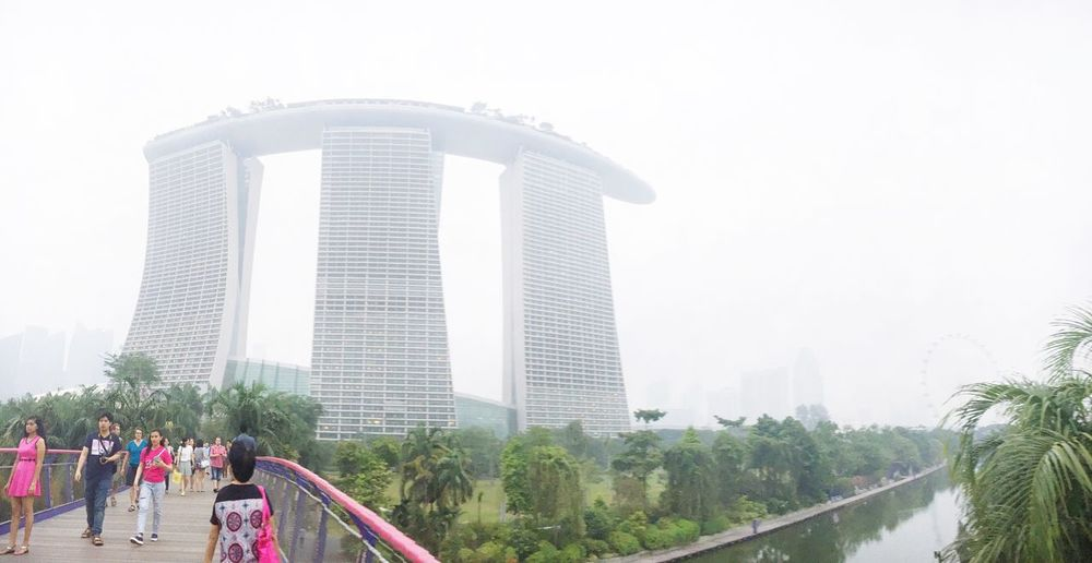 Hazy Singapore Eye4photography  EyeEm Gallery Eyeem Singapore IPhoneography Marina Bay Sands Architecture Architecture_collection Discover Your City Life In The City