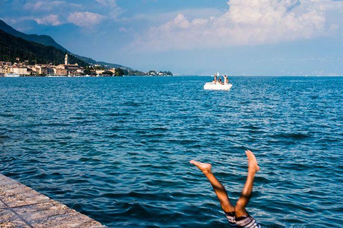 Swimming at the lake Lago Di Garda Salo Fujifilm X-pro2 Lake Water Swimming Italy Fujixseries Street Photography Fujifilm_xseries Enjoying Life Enjoying The Sun