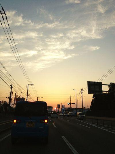 Streetphotography #sunset #sun #clouds #skylovers #sky #nature #beautifulinnature #naturalbeauty #photography #landscape