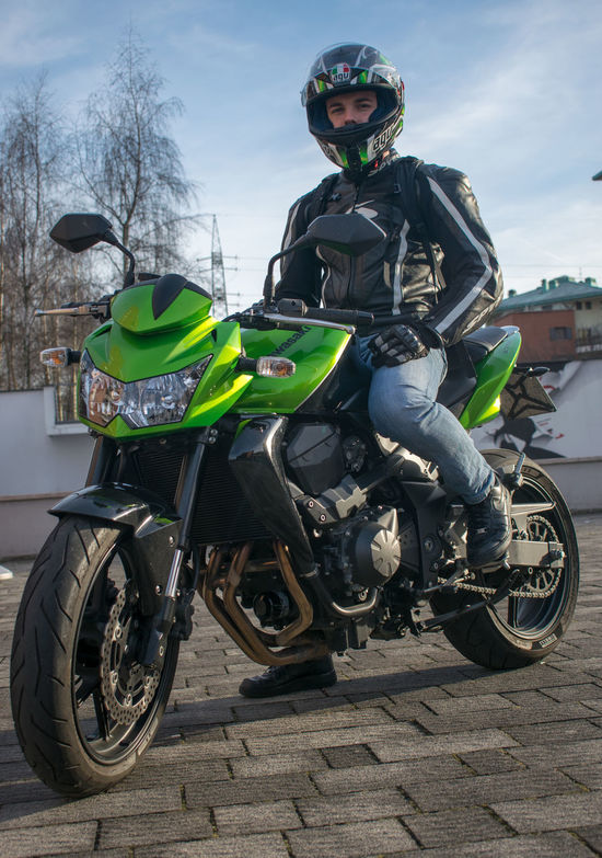 Transportation Adventure Motorcycle Adults Only Headwear One Person Mode Of Transport Sport People Crash Helmet Outdoors Day Adult Only Men One Man Only Kawasaki Z750  Green Green Green!  Green Motorbike Motorcycle Motorcycle Photography Motorbikes Sunlight Sun