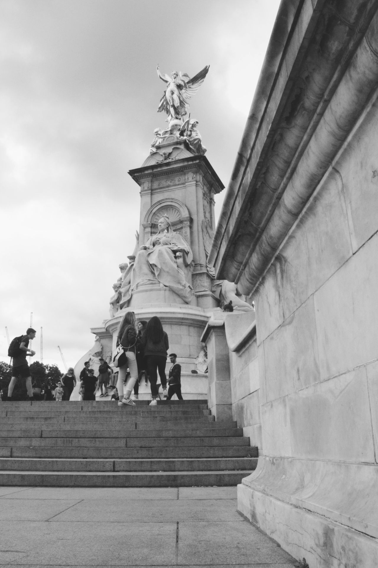 Statue Sculpture Travel Destinations Royal Person Low Angle View Buckingham Palace Queen Elizabeth  God Save The Queen The Queen London Uk EyeEm Travel Photography Neighborhood Map