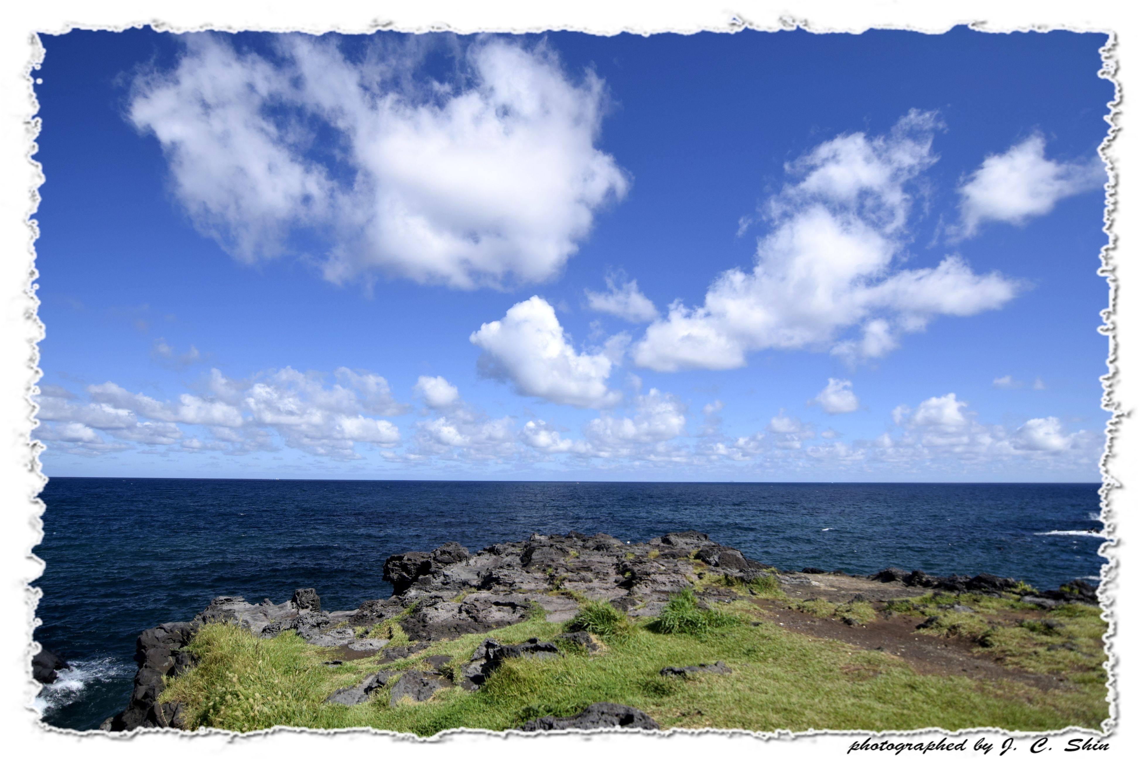 transfer print, sea, horizon over water, sky, tranquil scene, tranquility, scenics, auto post production filter, beauty in nature, water, nature, cloud - sky, cloud, blue, idyllic, day, beach, outdoors, cloudy, coastline