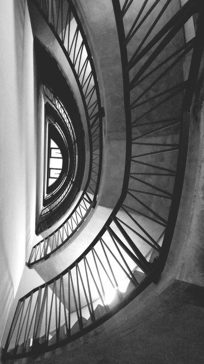 Lookingup once again :: Stairporn Berliner Ansichten Hans Guck In Die Luft