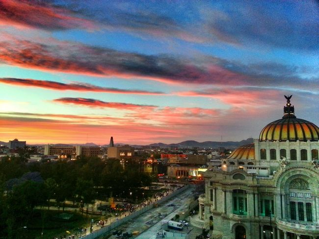 Bellos cielos en bellas artes. Architecture Sky Built Structure Building Exterior City Life Urban Scene Cloud - Sky Cloud Urban Relaxing Mexicocity  Eye4photography  EyeEm Best Shots Eye4photography  Mexico_maravilloso Cdmx FotoDelDia Nubes Enjoying Life Architecture Arquitecture