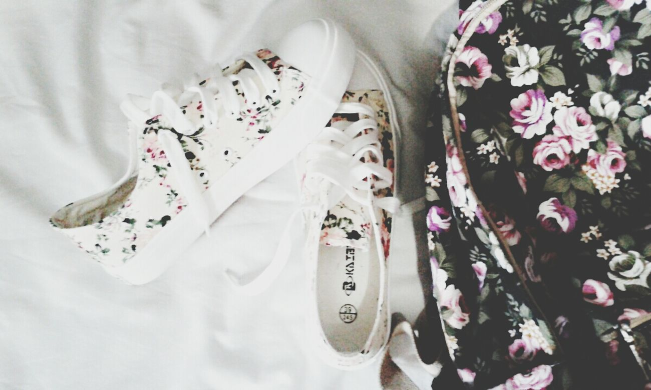 My favourite things <33333333333333 ❤❤❤❤❤❤❤❤❤❤ Bagpack Sneakersporn Floralporn Floral