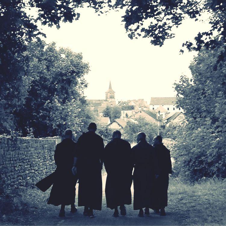France Flavigny Religieux campagne Bourgogne Village Villagedefrance Paysage noiretblanc Sepia burgundy
