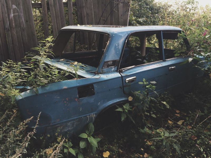 Abandoned Damaged Run-down Obsolete Deterioration Old Transportation Bad Condition Mode Of Transport Land Vehicle Car Destruction Worn Out Discarded Discard Plant Growth Old-fashioned Broken Old Ruin