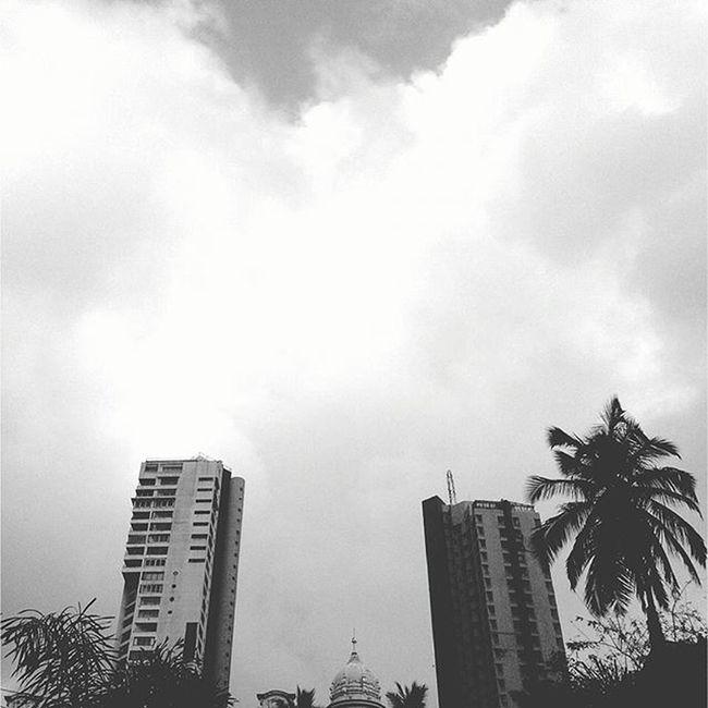 MalabarHill Malabarhills Mumbai Things2doinmumbai Mumbaiinstagrammers Buildings Fortheloveofblackandwhite Mumbaibestgram City Sky _soi Mymumbai