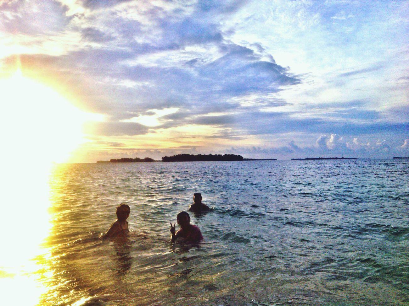 Swiming Pulau Perak Jakarta Enjoying Life