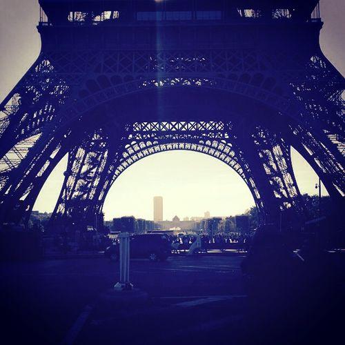 Paris, je parie que je te quitte. k.coutouzis