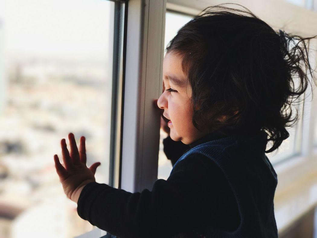 'A window hugger! (2/2) Portrait Portraiture Toddler  Child Shotoniphone7plus Portraitmode Dof Blur Bokeh VSCO Vscocam Vscogood Vscogrid Vscophile Vscodaily Vscofilm Vsco_hub One Person EyeEm Best Shots