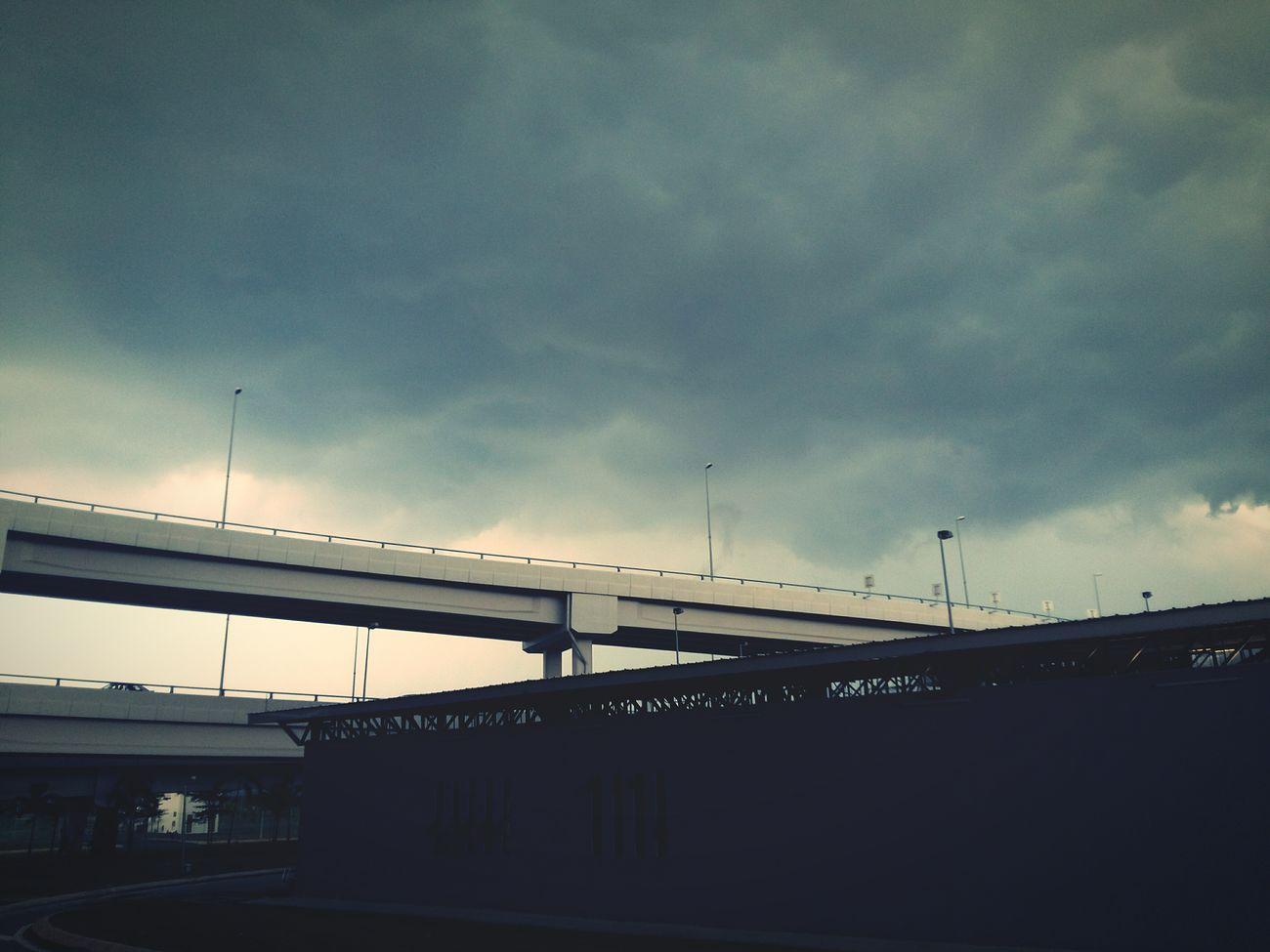 cloudy rain , havy rain