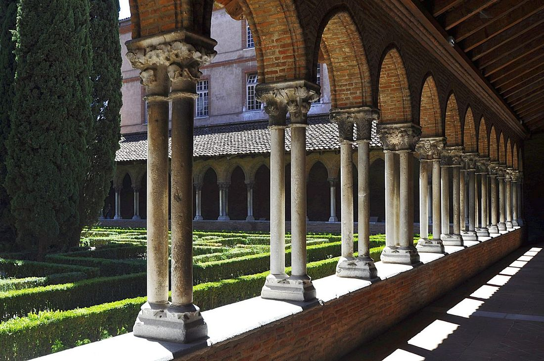 Couvent Des Jacobins Toulouse France Rows Of Things Cloister No People Light And Shadow Cloister Garden