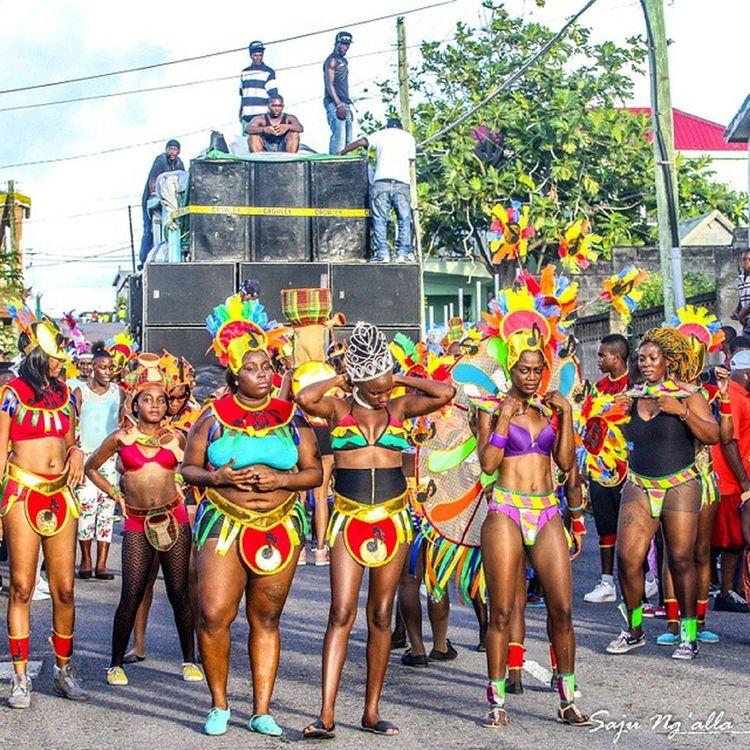 Yes, still in Saddlers... nah leave right now! StKitts StkittsCarnival Skncarnival Saddlefiesta Carnival Caribbeanculture Caribbeancarnival Streetphotography Canoneos70D Caribbean