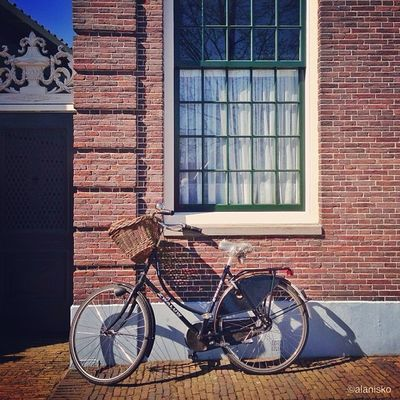 One of my last few shots from #holland ?? This morning after a year i finally reached 13k of followers with a big Support of my friends jeera and standa_uk so big Thank you goes to them and also to all of you for great support???? Insta_holland Igholland Amsterdam Holland Gang_family Gf_daily Igersholland Bikesaroundtheworld Ic_cities Gramoftheday Worldwidephotowalk Mokummagazine