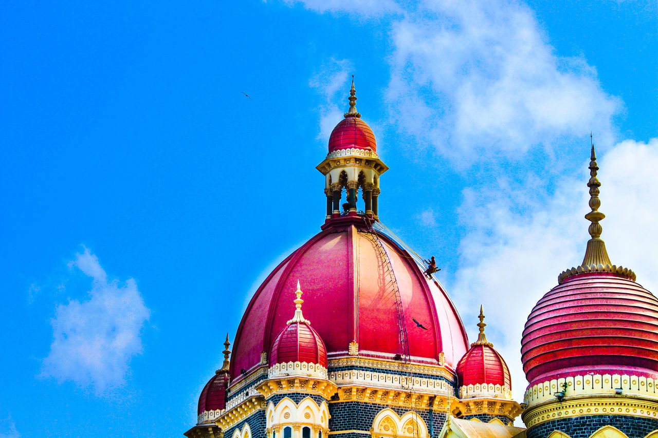 Men at work @ The Taj Mahal Palace Hotel Mumbai Architecture Building Exterior Built Structure City Dome Man At Work Men At Work  Multi Colored Mumbai Mumbai Colaba Mumbai Meri Jaan Outdoors Sky The Taj Mahal Hotel The Taj Mahal Palace Hotel Travel Destinations