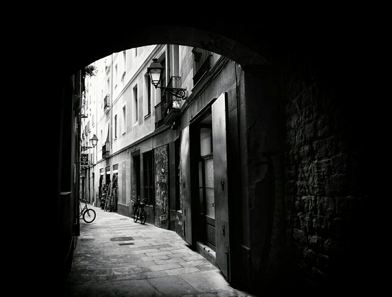 Light And Shadow Monochrome Streetphotography Streetphoto_bw Shades Of Grey Mi Serie Barcelona