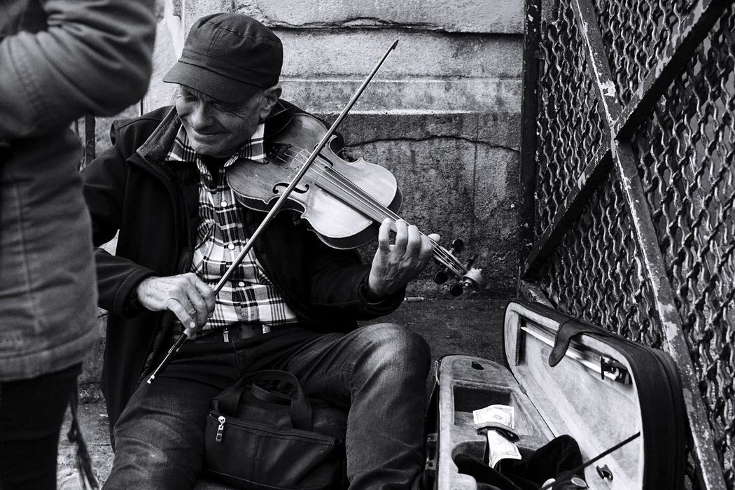The emotion behind this photo hits me hard Paris, France  Paris Violin Violinist Streetphotography Streetperformer Busking Buskin Blackandwhite