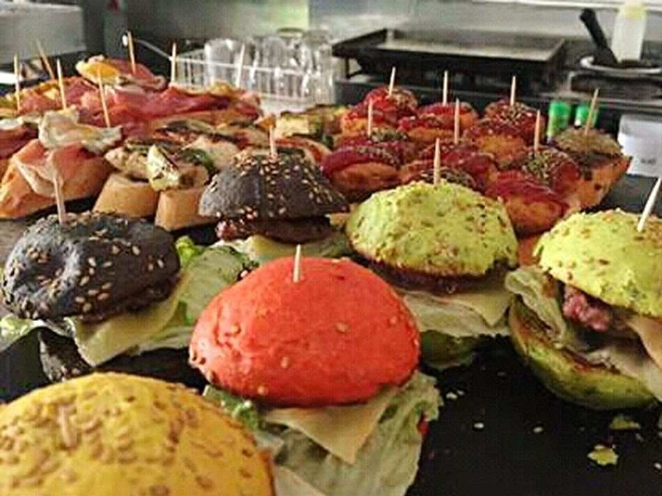 Eating Eat Comidas Montadito Montaditos Tapas Bar Colors Restaurants Restaurante Restaurant Restaurant Decor Restaurant Food Restaurant Scene Comida(: Hamburgers Hamburguesa Hamburguesas The Mix Up Food