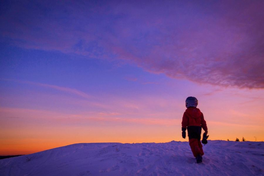 One Person Sky Real People Sunset Winter Leisure Activity Lifestyles Beauty In Nature Standing Outdoors Cloud - Sky Warm Clothing Nature Scenics Cold Temperature People Snow EyeEm Masterclass EyeEm Best Shots Beauty In Nature