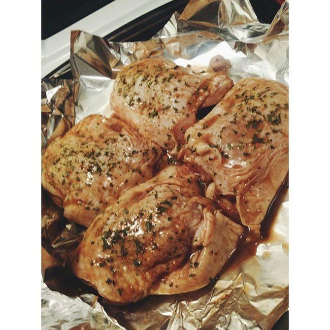 Making dinner ( balsamic vinaigrette marinated chicken thighs with parsley, brown rice & steamed veggies) a glass of ? and homework ???? Thisismyturnuptuesday Homework Nursingstudent Nursingschool Yum CookinwithKandy InstaSize