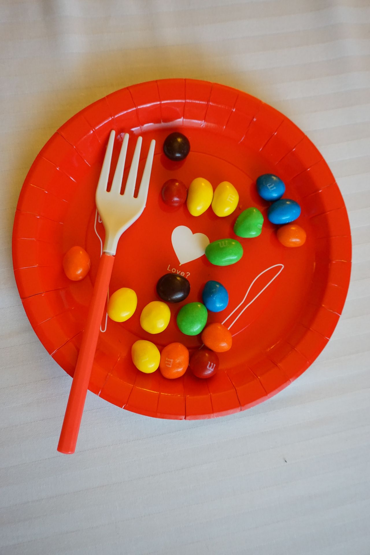 2016 Canada Chocolate Colorful Desssert Dish Fork M&m's M&ms Red Sweet Vancouver カナダ チョコレート バンクーバー