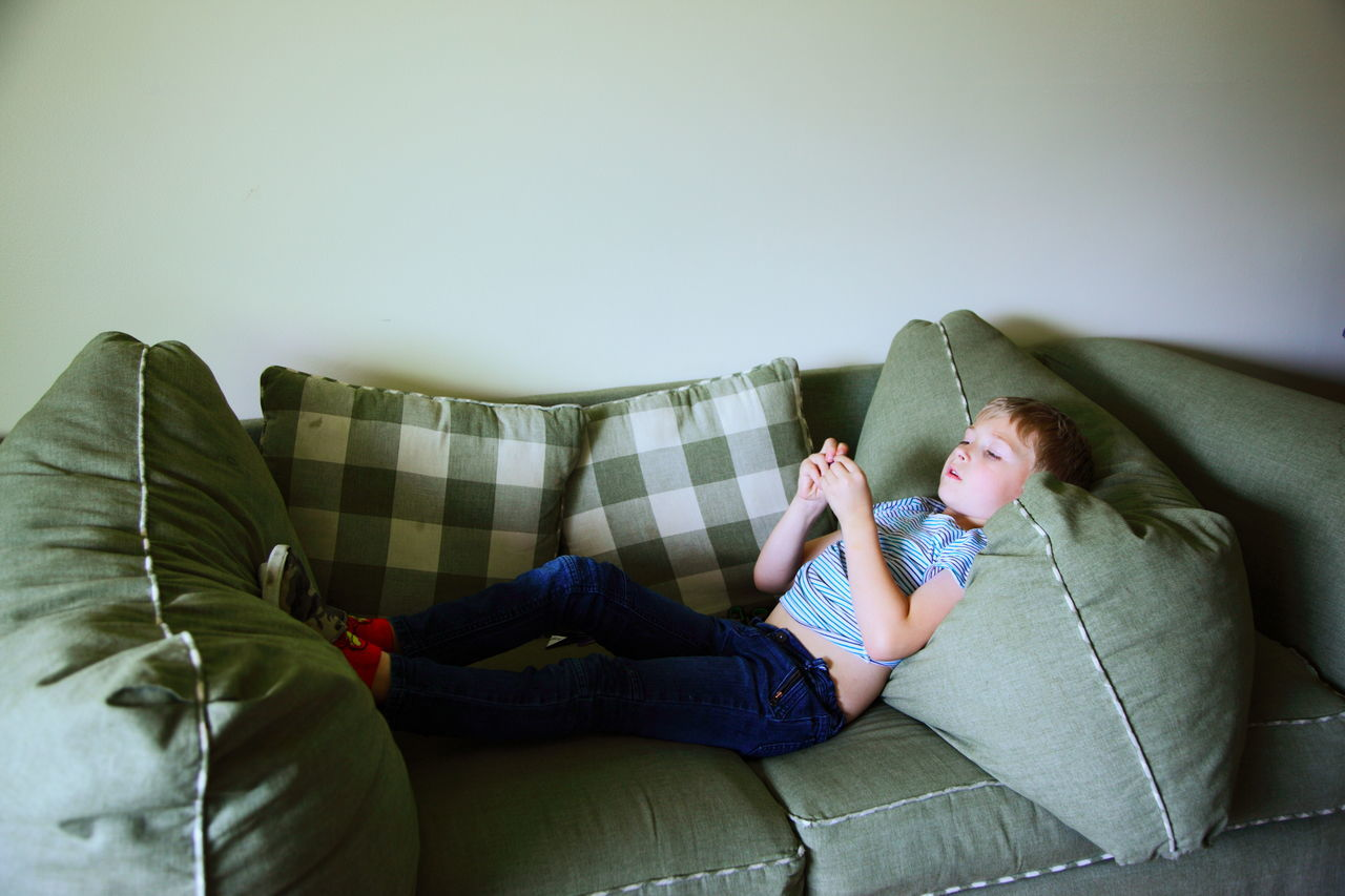 Beautiful stock photos of living room, 6-7 Years, Boys, Caucasian Ethnicity, Childhood