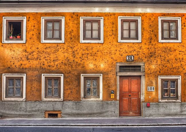 Old house, Linz Austria Old House Houses Architecture Medieval Architecture Linz Linz/Austria Austria Spring Day X100 Fujifilm Photowalk Snapseed Design Inspirations Design Wallpaper Backgrounds Snapseed Editing  Showcase May 43 Golden Moments Fine Art Photography Home Is Where The Art Is Colour Of Life