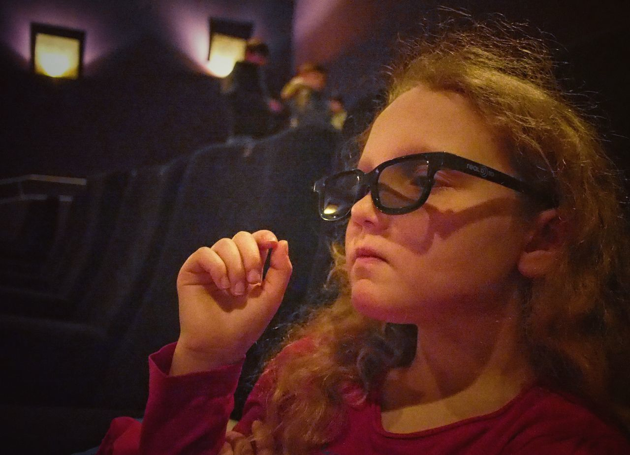 Lady Cinestar - MAinLoveWithLife and Little Girl Having Fun Fooling Around Acting Silly Like A Star Celebrity Celebrate Life Fun Funny Funny Moments Funny Faces Happy Happiness Sunglasses Portrait Children Children Photography Childhood Childhood Memories Cinema Cinematic Cool How I Feel How I See The World - 19.02.2017 - #Cinestar #Bielefeld