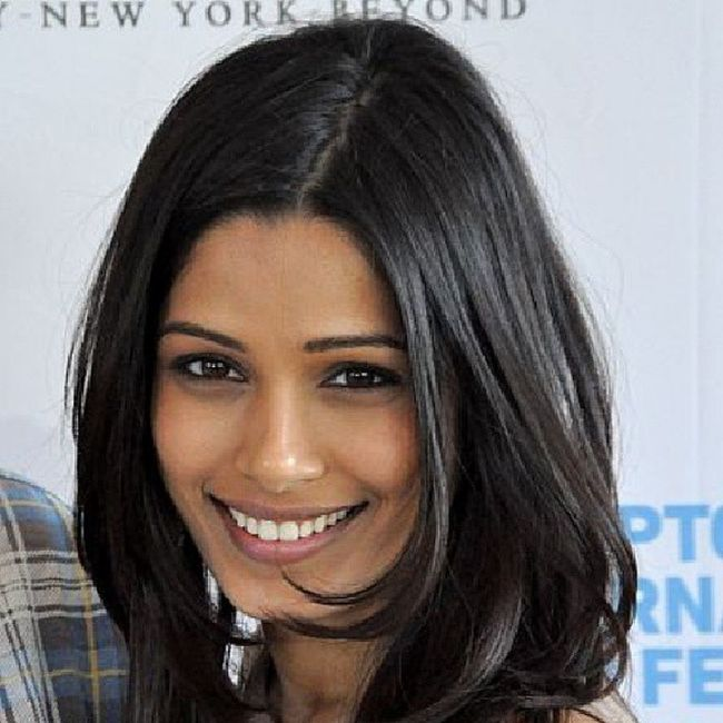 HAPPY BIRTHDAY SlumdogMillionaire movie actress... @BecauseImFreida (FreidaPinto ). God bless & healthly life. Have a many returns day. SaveGirls Girls
