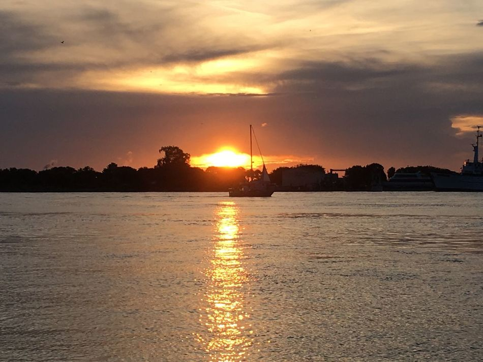 Sunset and a sailboat... |4thJuly2016 Independenceday2016 Connected With Nature Nature_collection Eye4photography  EyeEm Best Shots EyeEm Nature Lover EyeEm Best Shots - Nature