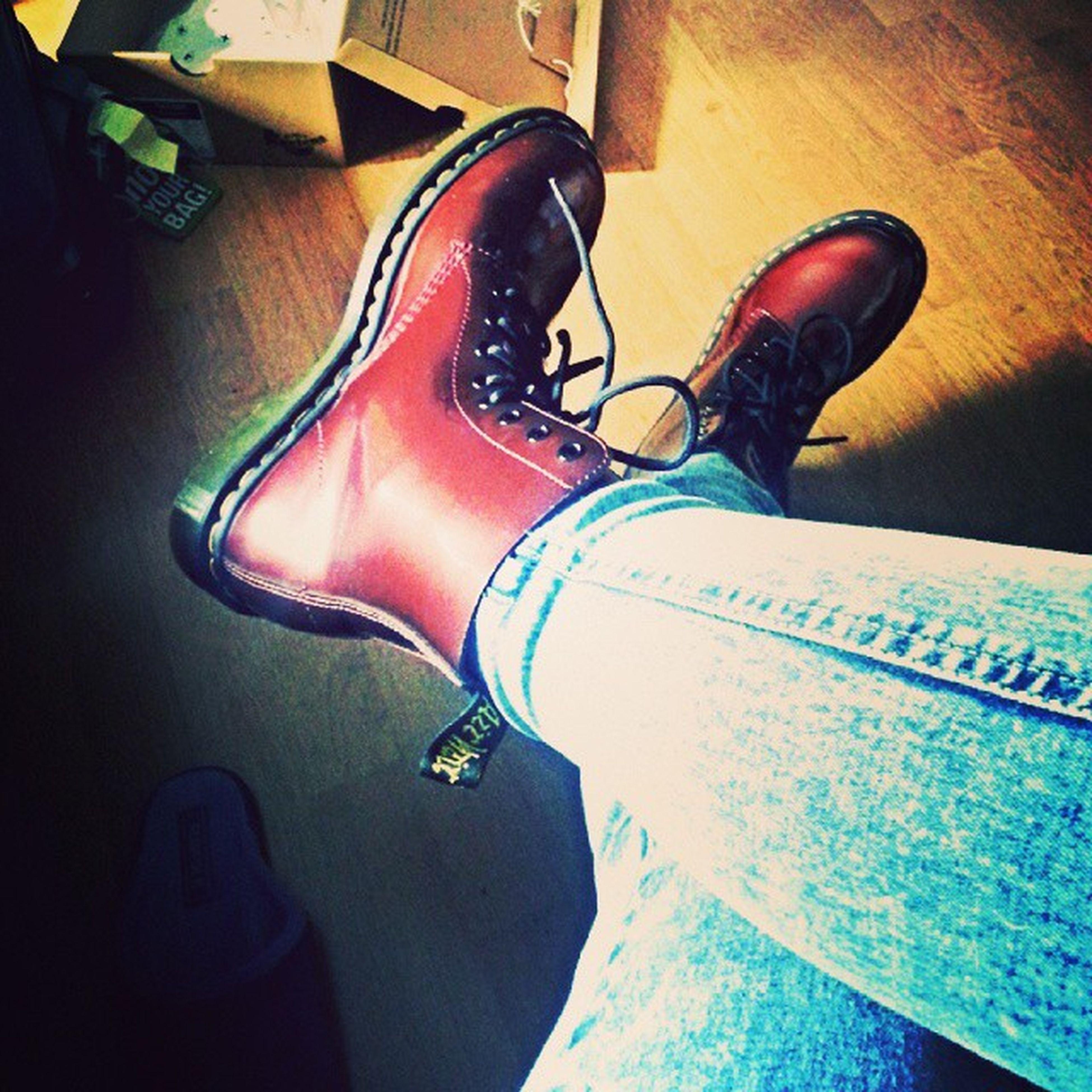 мартинсы ботинки яхууу ноги обувьвай