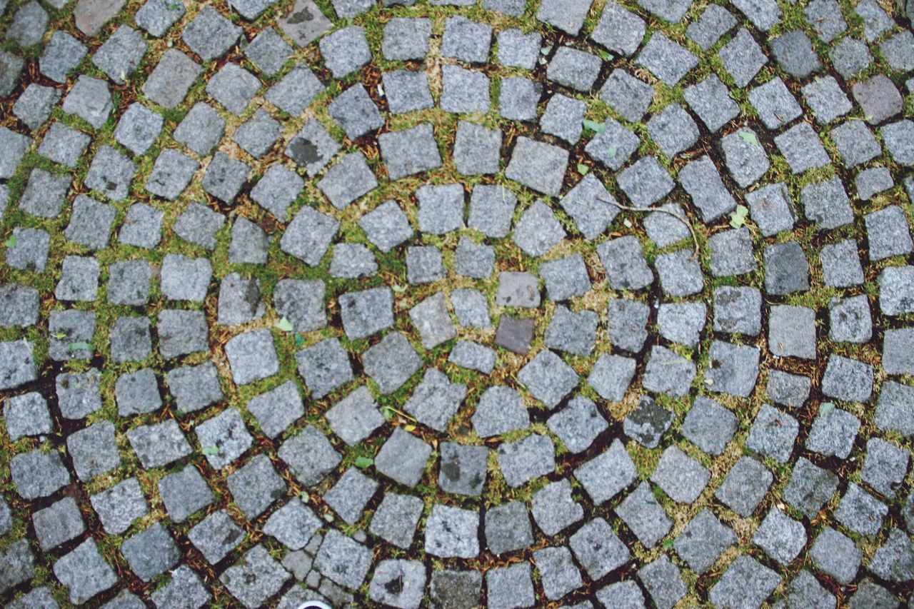 circle, pattern, full frame, backgrounds, day, concentric, outdoors, geometry, no people