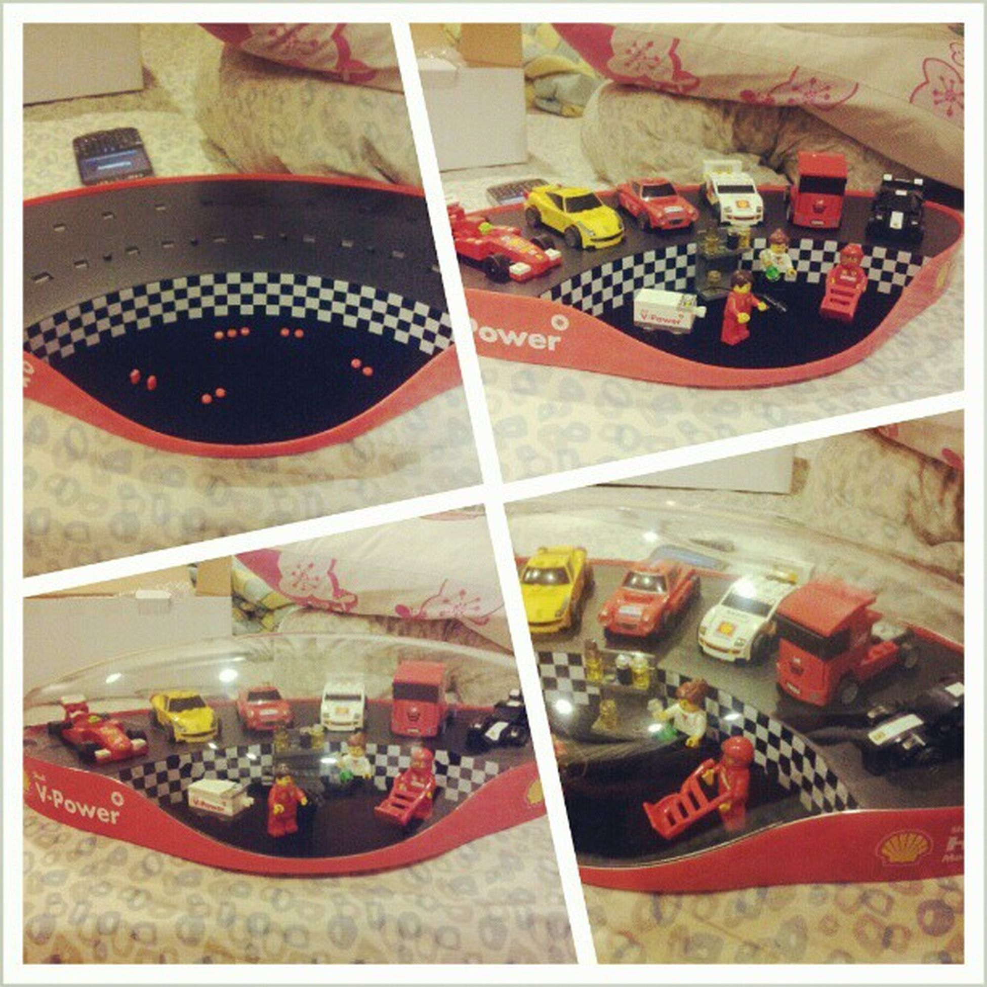 Alhamdulillah....at last, I managed to complete the Shell Lego collection... Shell Vpower Ferrari LEGO