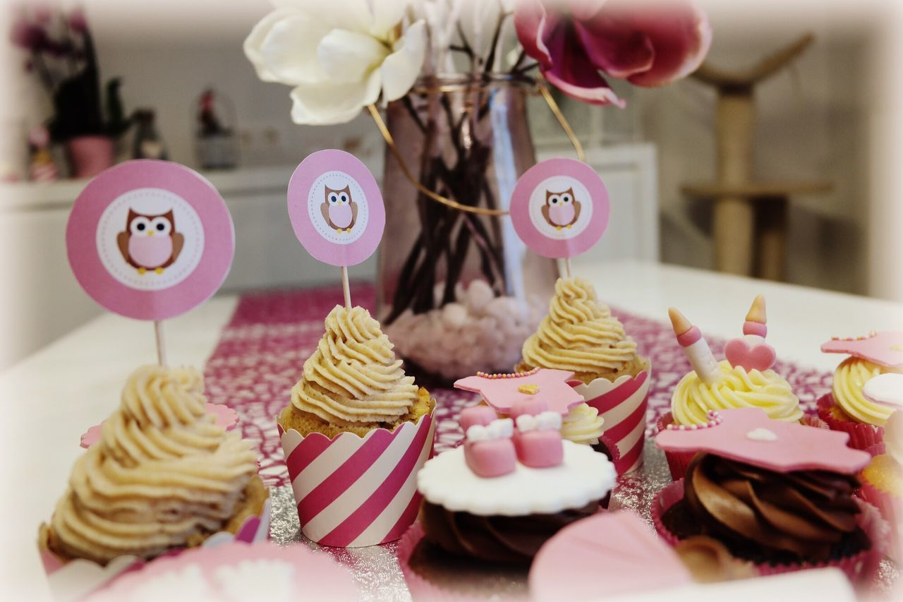 Tortenpost Babyparty Baby Cupcakes Hearts Chocolate Sweet Love Cini Minis Girl Pink