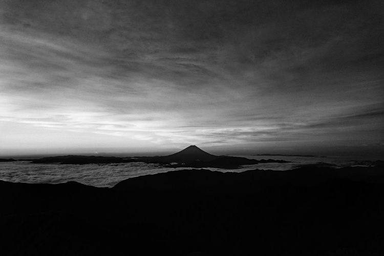 From My Point Of View Mt.Fuji 孤高 独立峰 Silhouette Mountains And Sky Clouds And Sky Cloudporn Daybreak Taking Photos EyeEm Best Shots - Nature Beautiful Nature Nature Is My Best Friend Black And White Monochrome in Japan