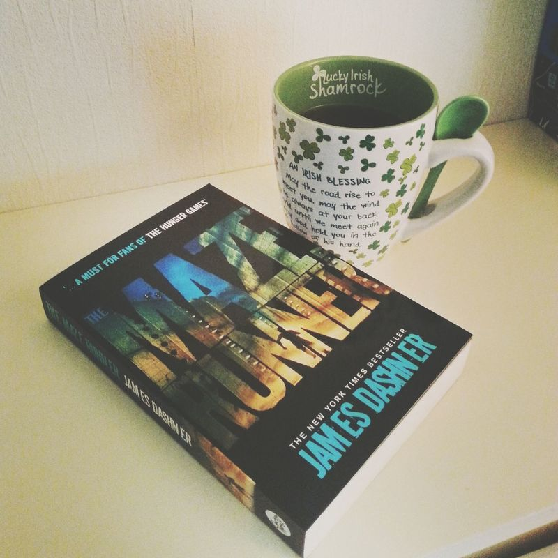 """""""Happiness is: reading a good book"""" ❤? TMR The Maze Runner"""