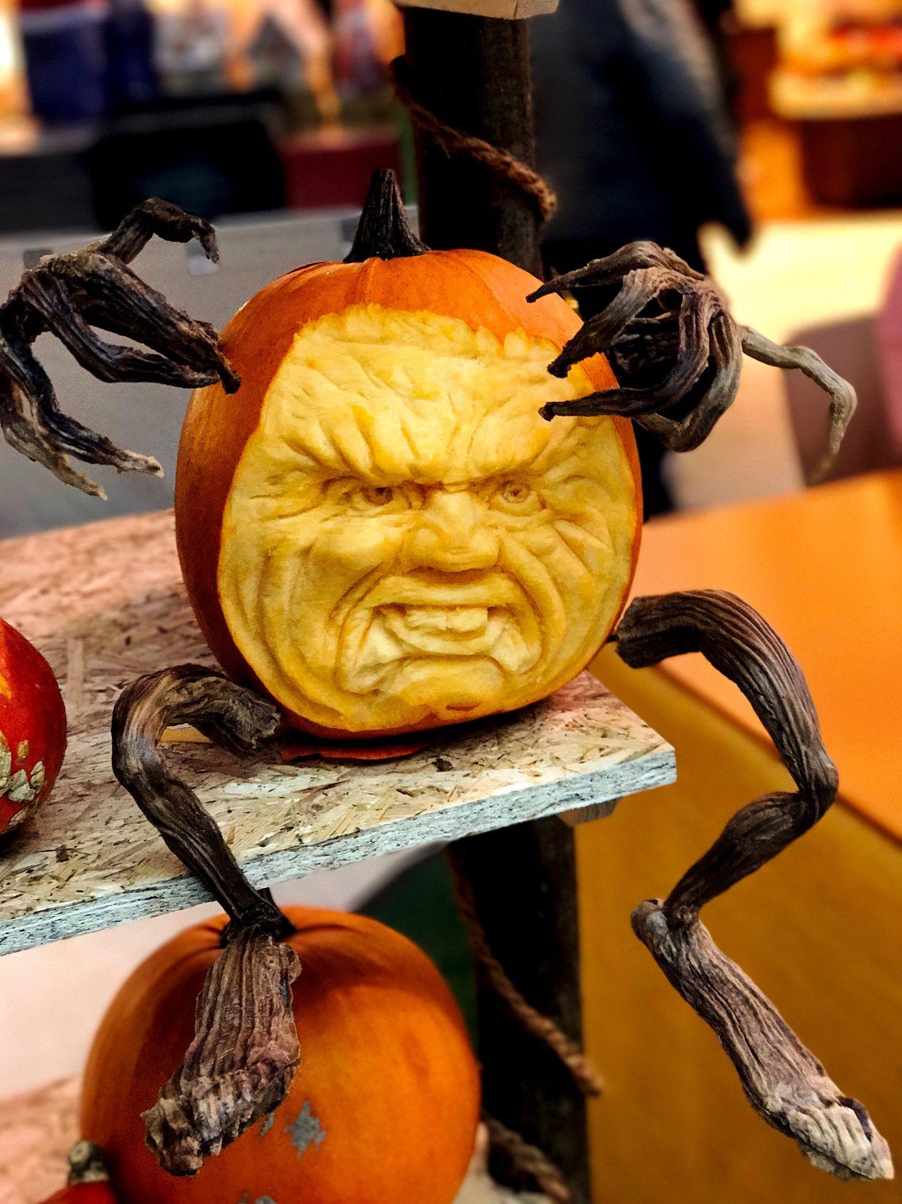 Halloween Potsdam Kürbis Food And Drink Pumpkin Schnitzerei Gesicht Face Close-up Headshot Gesicht IPhone 7 Plus Kopf Horror Orange Color Focus On Foreground