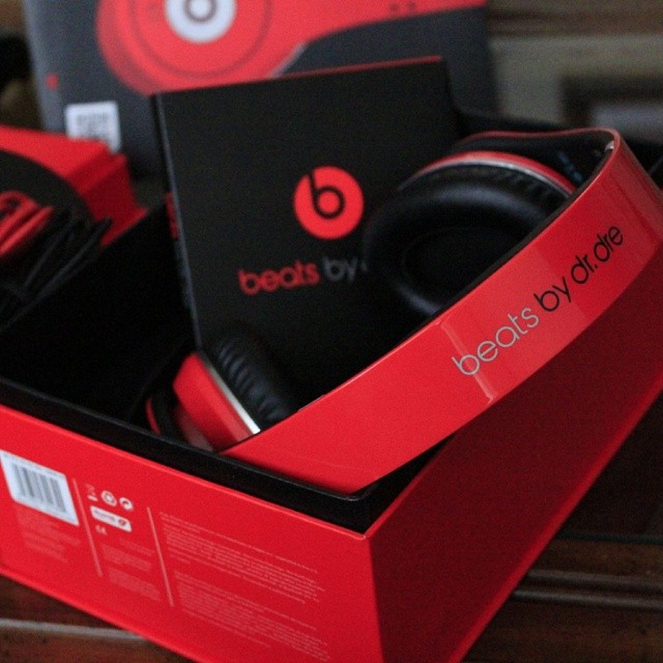 Would never buy these for myself. Always thought that they're overpriced & nothing compared to Bose. But it's a gift from my Bro & I gotta show him love. LOL Studio Beatsbydre Jad