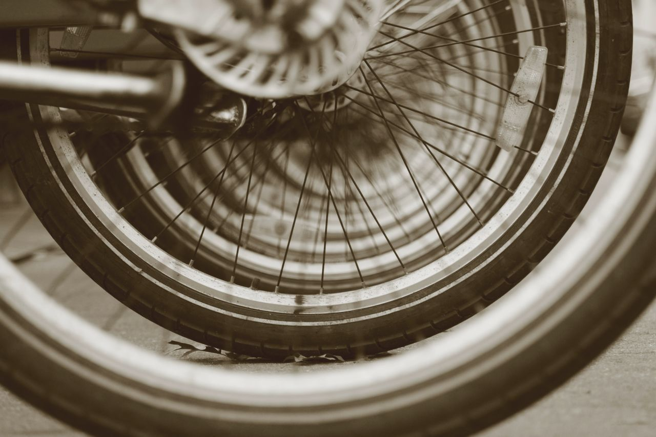 bicycle, transportation, mode of transport, no people, land vehicle, spoke, wheel, close-up, day, architecture, indoors