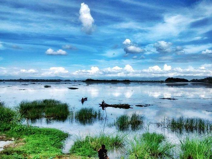 Loktak Lake, Manipur Surface area: Approximately 287 sq. Km It is the largest fresh water lake in the North East and famous for Phumdis. Loktak Lake Manipur Holiday Phumdis Sangai Northeast IndiaTrail Moirang Wildlife