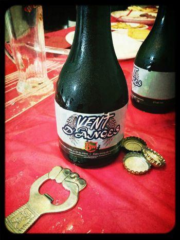 Bière 3 de la dégustation Robertson-Céré! Fût de chêne bien présent, fort agréable au goût!