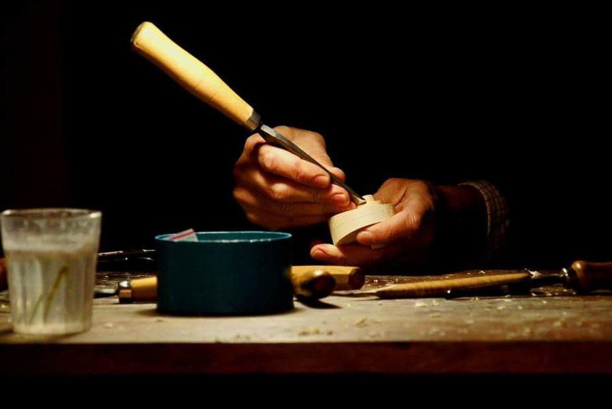 Human Hand Work Tool One Person Liutaio Al Lavoro Liuteria Liutaio Cremona Stradivari