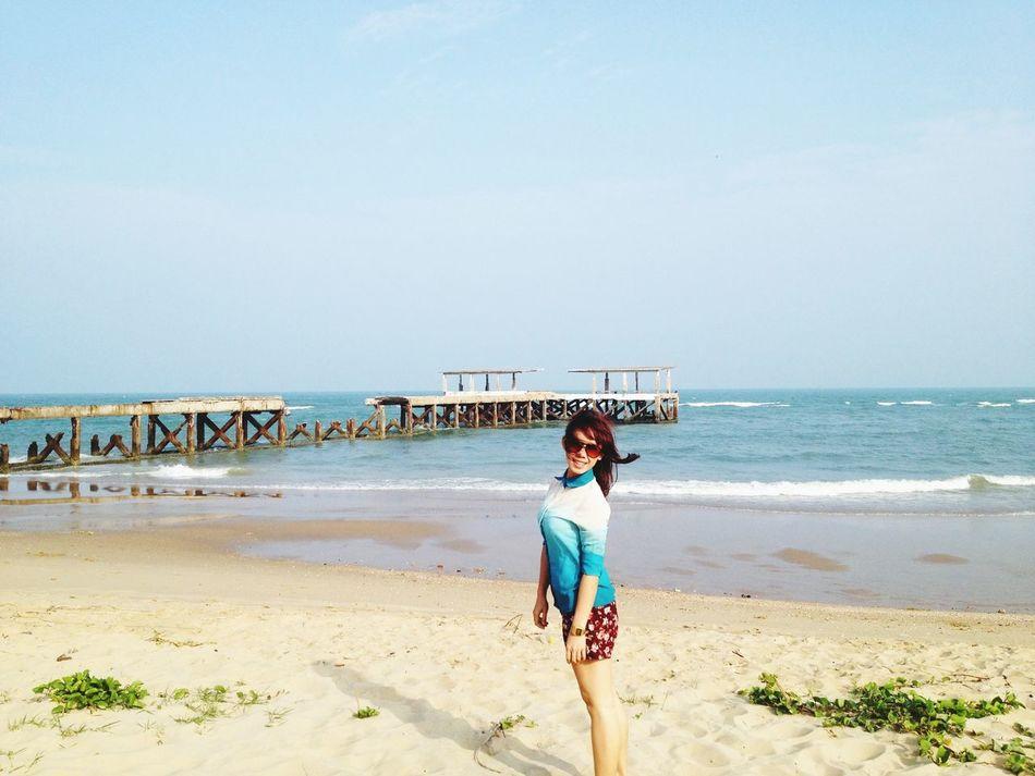 ??? Enjoying The Sun Sea Thailand_all Shot Hello World
