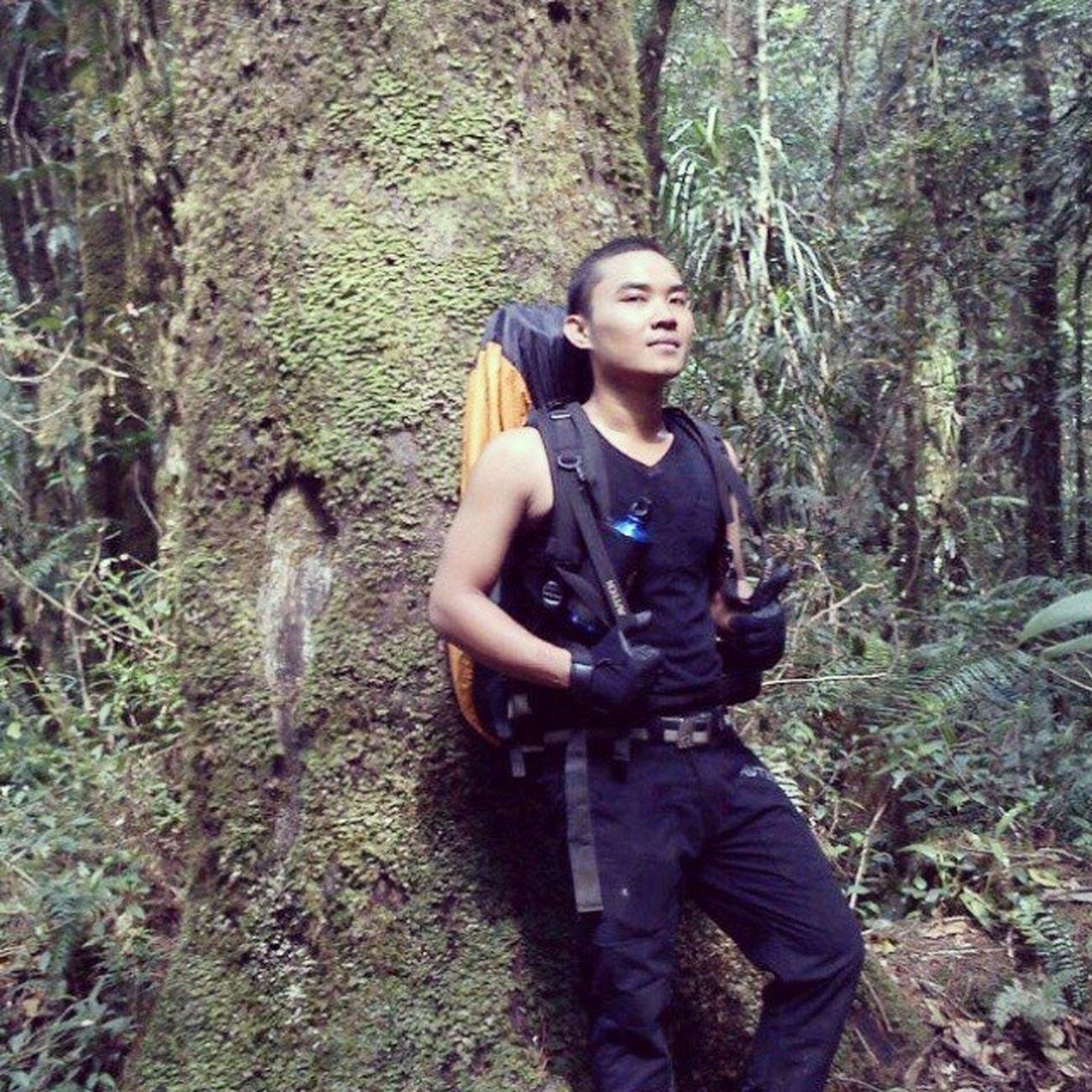 "Saat itu... Botak itu keren kata ""Gue"" jiahaha :3 Latepost Adventure Mountainer Pendaki petualang indonesiagetaway framedbynature lovenature"
