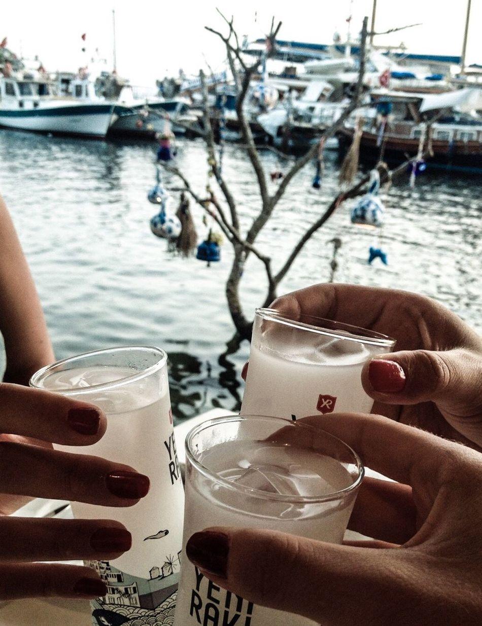 Rakı Girls Gümüşlük Bodrum Deniz Sea View Seaside Sea Happiness Happy People Relaxing Holiday Summer Turkish Raki Cheers