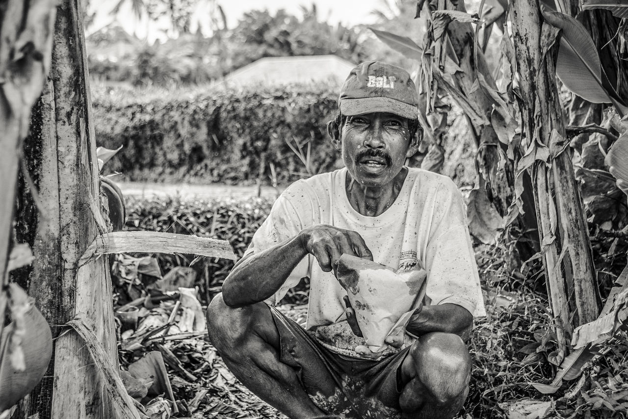 EyeEm Best Shots EyeEm Selects Agriculture Field Growth Manual Worker Nature Occupation One Person Outdoors People Real People Ricefield Sitting Tree Working