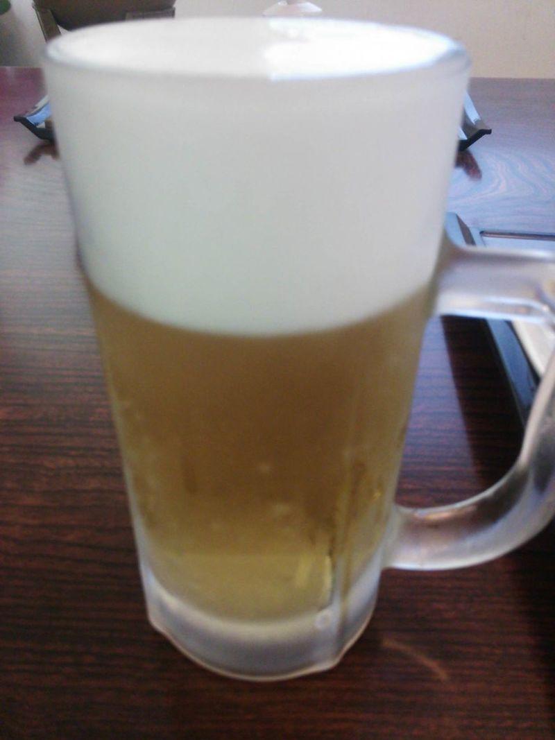 宴会18時30分~だが、お先に飲み始めます。一人カンパーイ